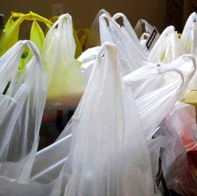 plastic-grocery-bags-590