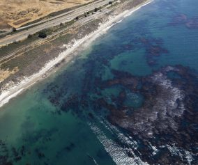 la-me-santa-barbara-county-beach-oil-photos-20150519