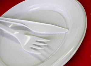 plastic-tableware-knife-fork-plate-685908